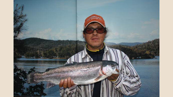 Collins lake the new year brings a full lake huge fish for Cheney lake fishing report